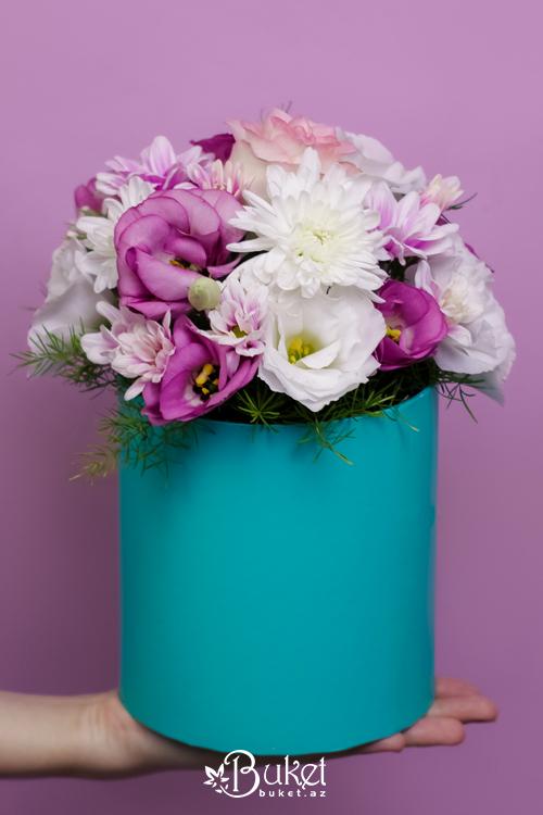 Eustoma və xrizantema buketi
